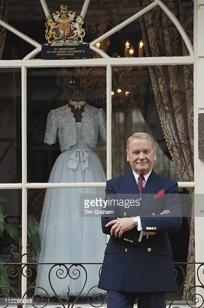 Ian Thomas fashion designer to Queen Elizabeth II London England Great Britain 25 September 1990
