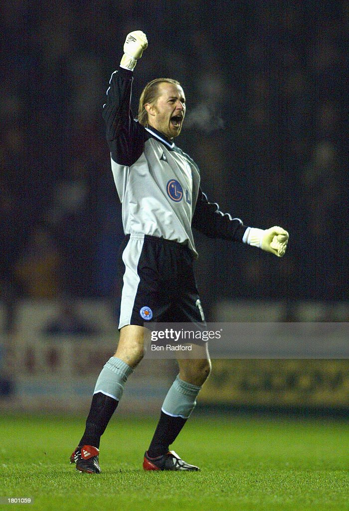 Ian Walker of Leicester celebrates the Leicester goal during the Nationwide League Division One match between Leicester City and Portsmouth at Walkers Stadium, Leicester, England on February 17, 2003.