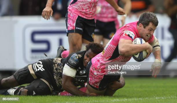 Ian Whitten of Exeter Chiefs dives over for a try during the European Rugby Champions Cup match between Montpellier and Exeter Chiefs at Altrad...