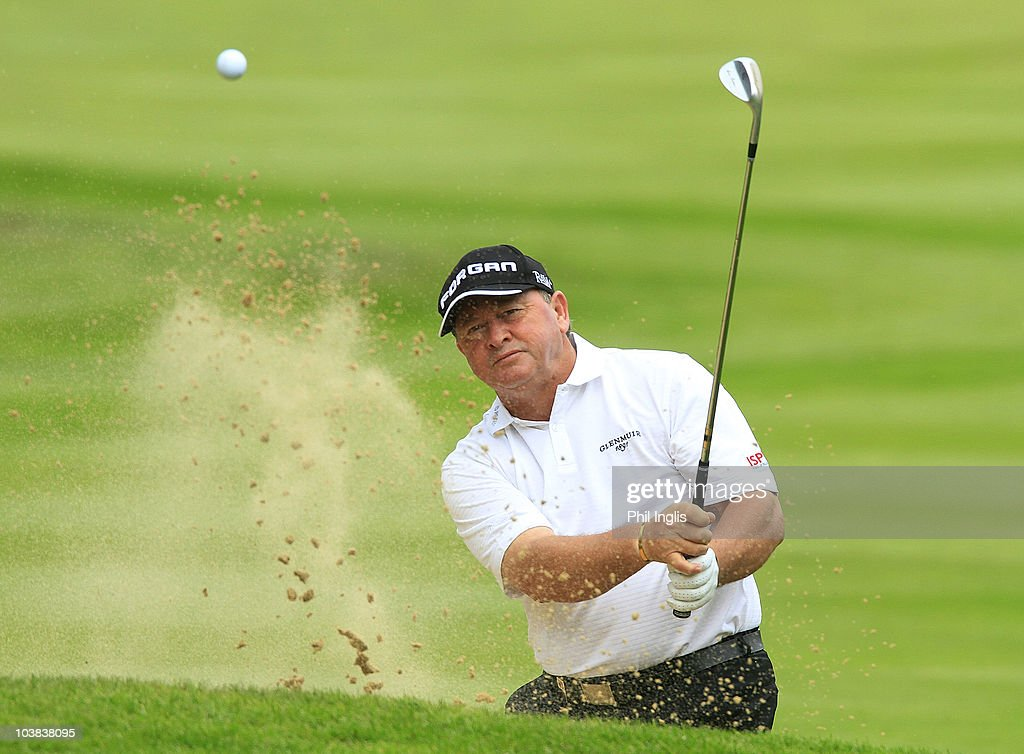 <a gi-track='captionPersonalityLinkClicked' href=/galleries/search?phrase=Ian+Woosnam&family=editorial&specificpeople=457974 ng-click='$event.stopPropagation()'>Ian Woosnam</a> of Wales in action during the second round of the Travis Perkins plc Senior Masters played at the Duke's Course, Woburn Golf Club on September 4, 2010 in Woburn, England.