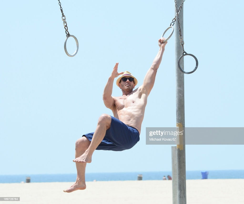 <a gi-track='captionPersonalityLinkClicked' href=/galleries/search?phrase=Ian+Ziering&family=editorial&specificpeople=622264 ng-click='$event.stopPropagation()'>Ian Ziering</a> seen exercising on the beach on May 31, 2013 in Santa Monica, California.