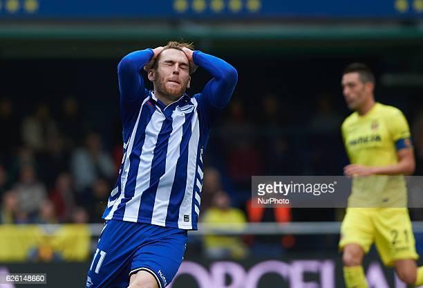 Ibai Gomez of Deportivo Alaves reacts during the La Liga match between Villarreal CF vs Deportivo Alaves at Estadio El Madrigal Villarreal on...