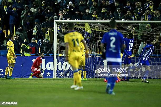 Ibai Gomez of Deportivo Alaves scores their opening goal during the Copa del Rey quarterfinal match between Agrupacion Deportivo Alcorcon and...