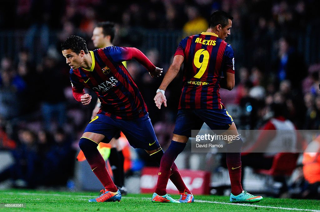 Ibrahim Affelay of FC Barcelona comes on for <a gi-track='captionPersonalityLinkClicked' href=/galleries/search?phrase=Alexis+Sanchez&family=editorial&specificpeople=5515162 ng-click='$event.stopPropagation()'>Alexis Sanchez</a> during the La Liga match between FC Barcelona and Malaga CF at Camp Nou on January 26, 2014 in Barcelona, Spain.