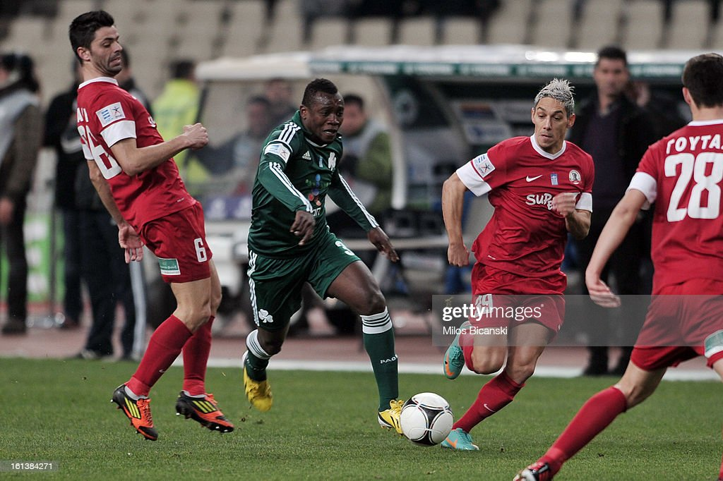 Ibrahim Sissoko of Panathinaikos FC competes for the ball with Dani Ricardo (L) during the Superleague match between Panathinaikos FC and Skoda Xanthi at OAKA Stadion on February 10, 2013 in Athens,Greece.