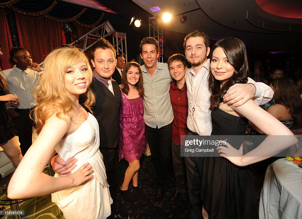 nathan kress wedding icarly. icarly cast members jennette mccurdy, noah munck, jerry trainor, nathan kress, and kress wedding icarly