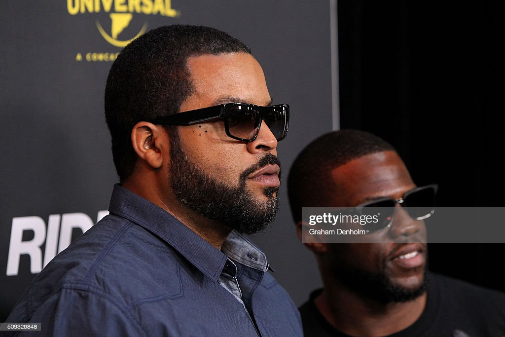 <a gi-track='captionPersonalityLinkClicked' href=/galleries/search?phrase=Ice+Cube+-+Entertainer&family=editorial&specificpeople=202098 ng-click='$event.stopPropagation()'>Ice Cube</a> (L) and Kevin Hart arrive ahead of the Ride Along 2 Australian Premiere at Hoyts Melbourne Central on February 10, 2016 in Melbourne, Australia.