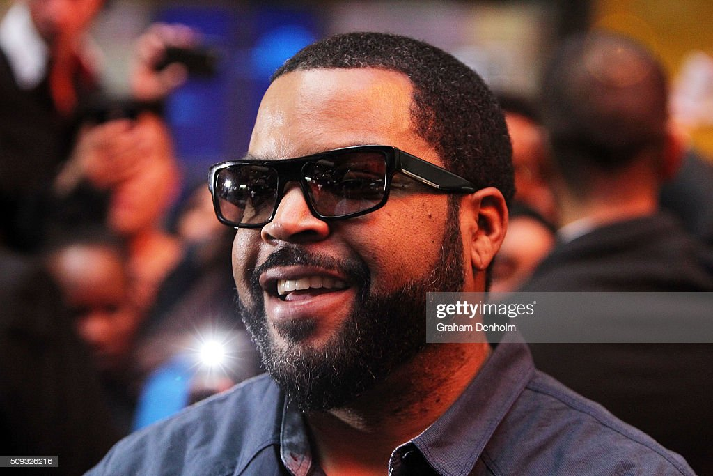 <a gi-track='captionPersonalityLinkClicked' href=/galleries/search?phrase=Ice+Cube+-+Entertainer&family=editorial&specificpeople=202098 ng-click='$event.stopPropagation()'>Ice Cube</a> smiles as he arrives ahead of the Ride Along 2 Australian Premiere at Hoyts Melbourne Central on February 10, 2016 in Melbourne, Australia.