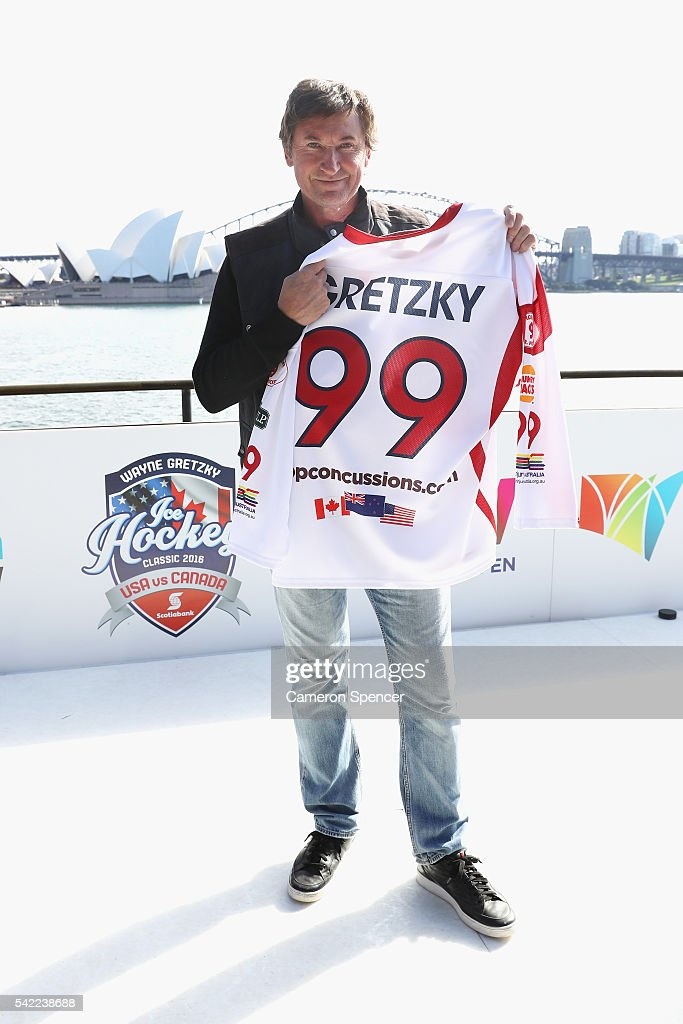Ice Hockey legend Wayne Gretzky poses with a 99 Gretzky jersey at Lady Macquarie's Chair on June 22 2016 in Sydney Australia Wayne Gretzky is in...