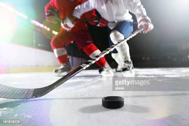 L'hockey su ghiaccio.