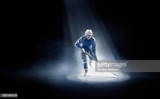 Ice hockey-Spieler ist spotlight
