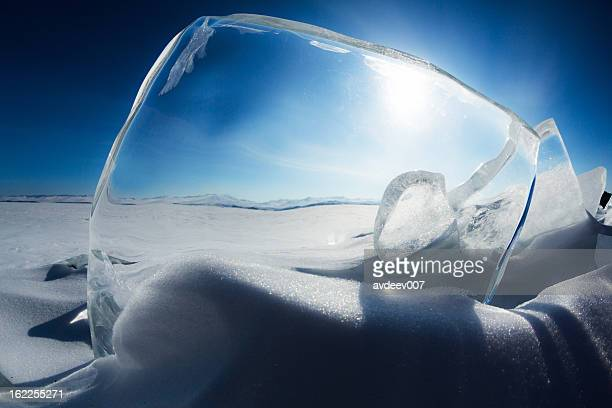 La glace du lac Baïkal