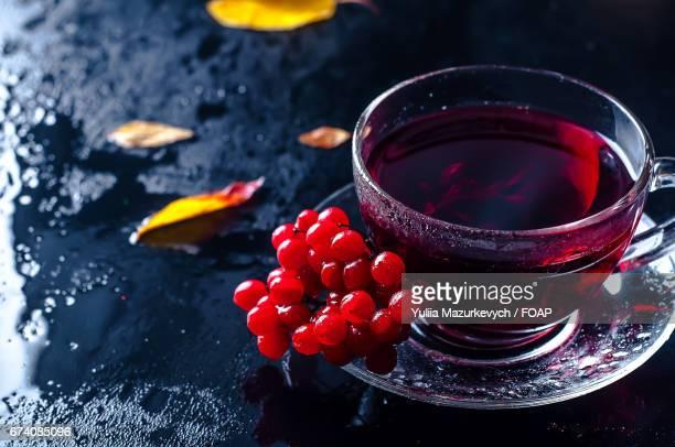 Ice tea with berries