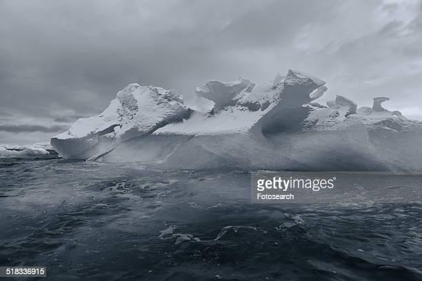 Iceberg black and white