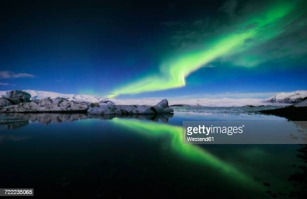 Iceland, Northern lights over Jokulsarlon glacial lake