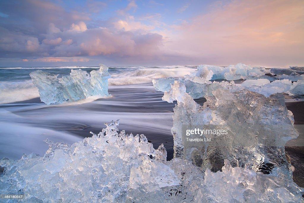 Iceland, Skaftafell, Jokulsarlon, icebergs