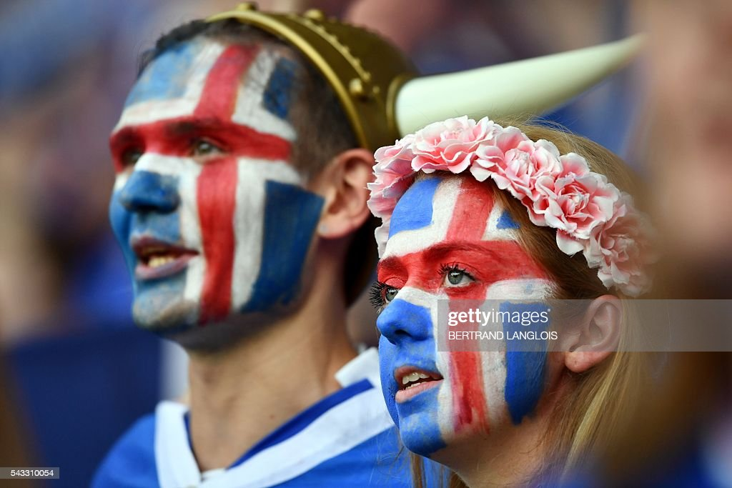 Iceland supporters are pictured ahead the Euro 2016 round of 16 football match between England and Iceland at the Allianz Riviera stadium in Nice on June 27, 2016. / AFP / BERTRAND