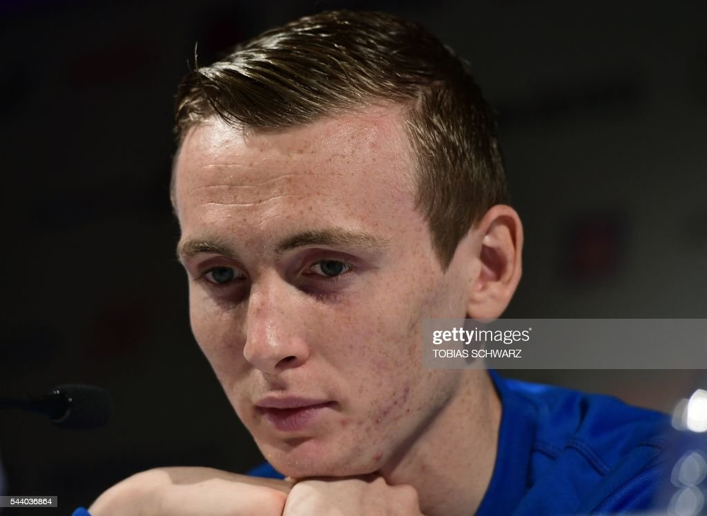 Iceland's forward Jon Dadi Bodvarsson attends a press conference in Annecy on July 1, 2016, during the Euro 2016 football tournament. / AFP / TOBIAS