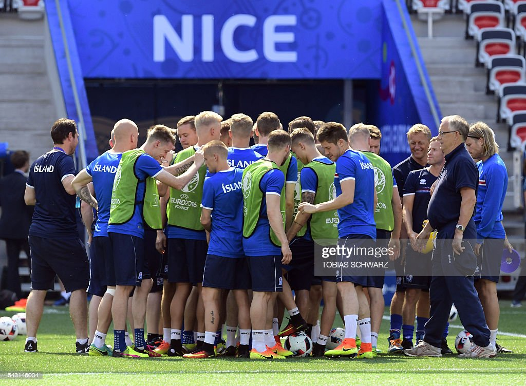 Iceland's players attend a training session at the Allianz Riviera stadium in Nice on June 26, 2016, during the Euro 2016 football tournament. / AFP / TOBIAS