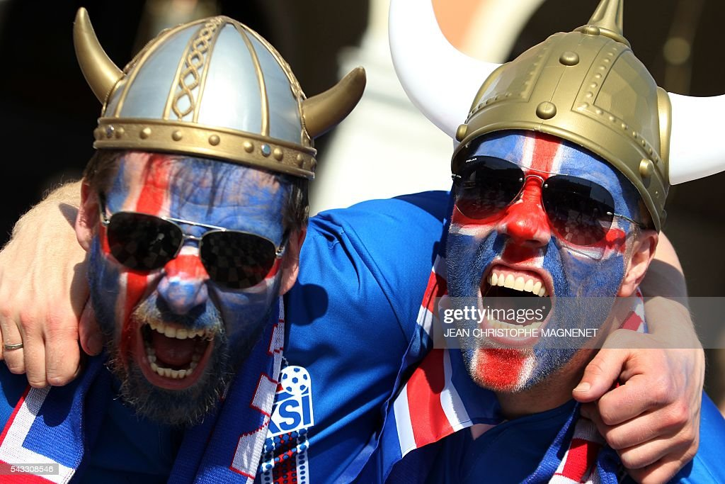 Iceland's supporters cheer ahead of the Euro 2016 football match England vs Iceland on June 27, 2016 in Nice, southeastern France. / AFP / JEAN