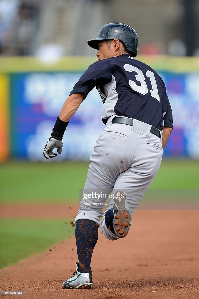 Ichiro Suzuki #31 of New York Yankees runs during the spring training game against Philadelphia Phillies at Bright House Networks Field on February 26, 2013 in Clearwater, Florida.