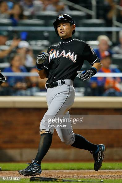 Ichiro Suzuki of the Miami Marlins scores during the sixth inning against of the New York Mets in a game at Citi Field on September 1 2016 in the...