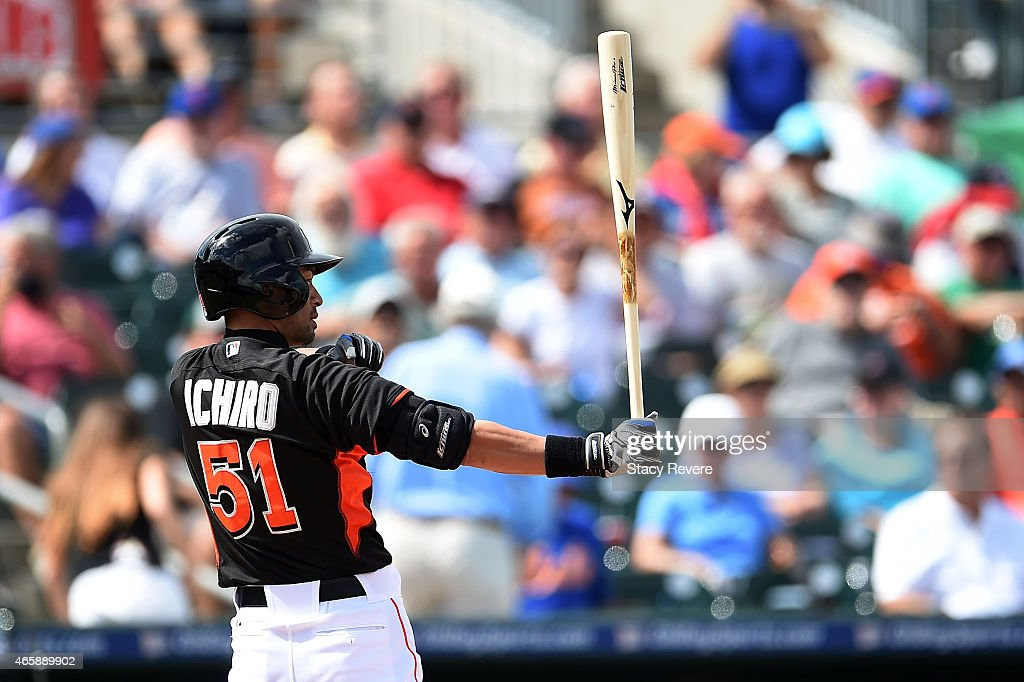 Ichiro Suzuki #51 of the Miami Marlins waits for a pitch during a spring training game against the New York Mets at Roger Dean Stadium on March 11, 2015 in Jupiter, Florida.