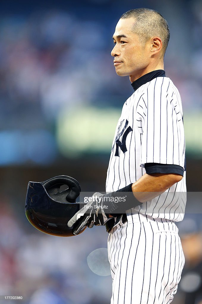 Ichiro Suzuki #31 of the New York Yankees acknowledges the fans after hitting a single, his 4,000 career hit, in the first inning against the Toronto Blue Jays in a MLB baseball game at Yankee Stadium on August 121, 2013 in the Bronx borough of New York City.