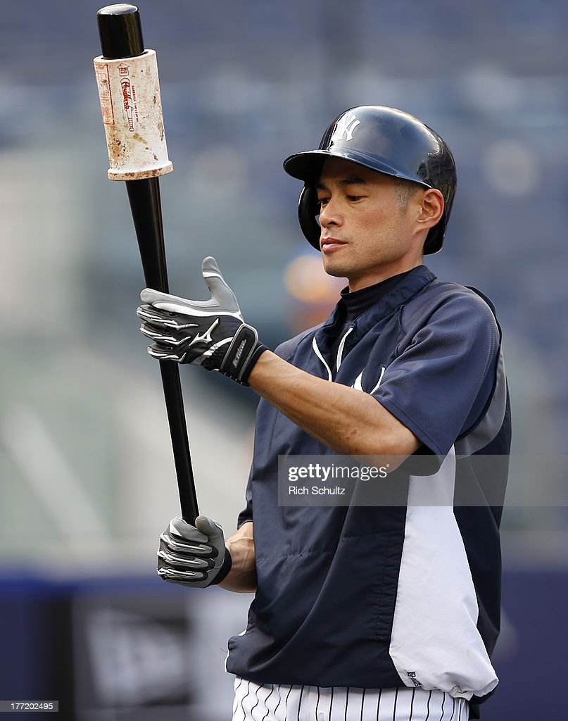 Ichiro Suzuki #31 of the New York Yankees during batting practice prior to the start of a game against the Toronto Blue Jays at Yankee Stadium on August 121, 2013 in the Bronx borough of New York City.