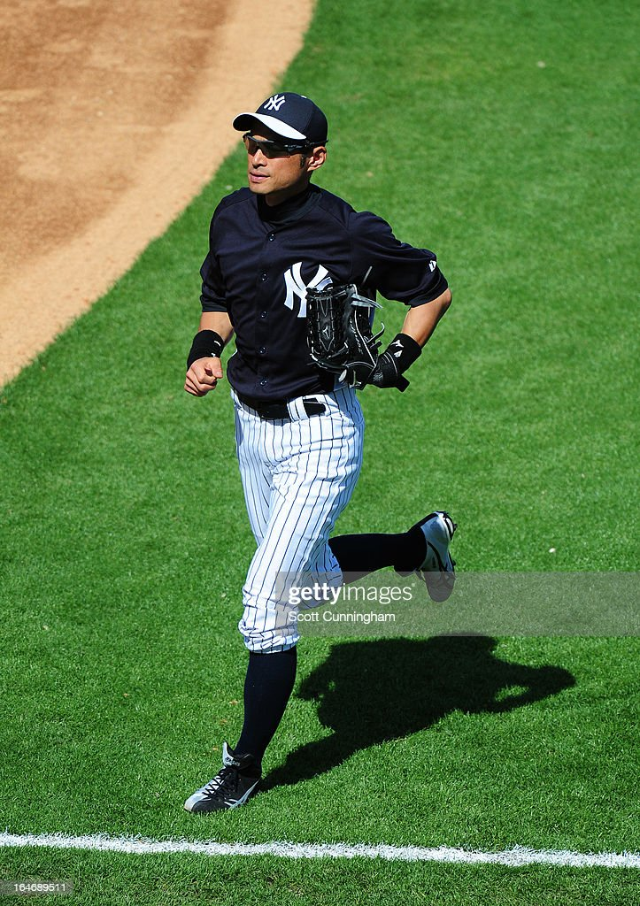 <a gi-track='captionPersonalityLinkClicked' href=/galleries/search?phrase=Ichiro+Suzuki&family=editorial&specificpeople=201556 ng-click='$event.stopPropagation()'>Ichiro Suzuki</a> #31 of the New York Yankees heads off the field during the spring training game against the Toronto Blue Jays at George M. Steinbrenner Field on February 28, 2013 in Tampa, Florida.