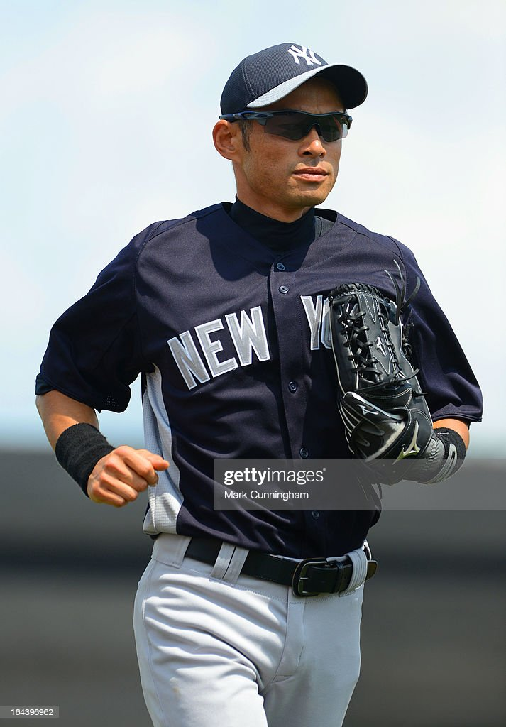 <a gi-track='captionPersonalityLinkClicked' href=/galleries/search?phrase=Ichiro+Suzuki&family=editorial&specificpeople=201556 ng-click='$event.stopPropagation()'>Ichiro Suzuki</a> #31 of the New York Yankees looks on during the spring training game against the Detroit Tigers at Joker Marchant Stadium on March 23, 2013 in Lakeland, Florida. The Tigers defeated the Yankees 10-6.