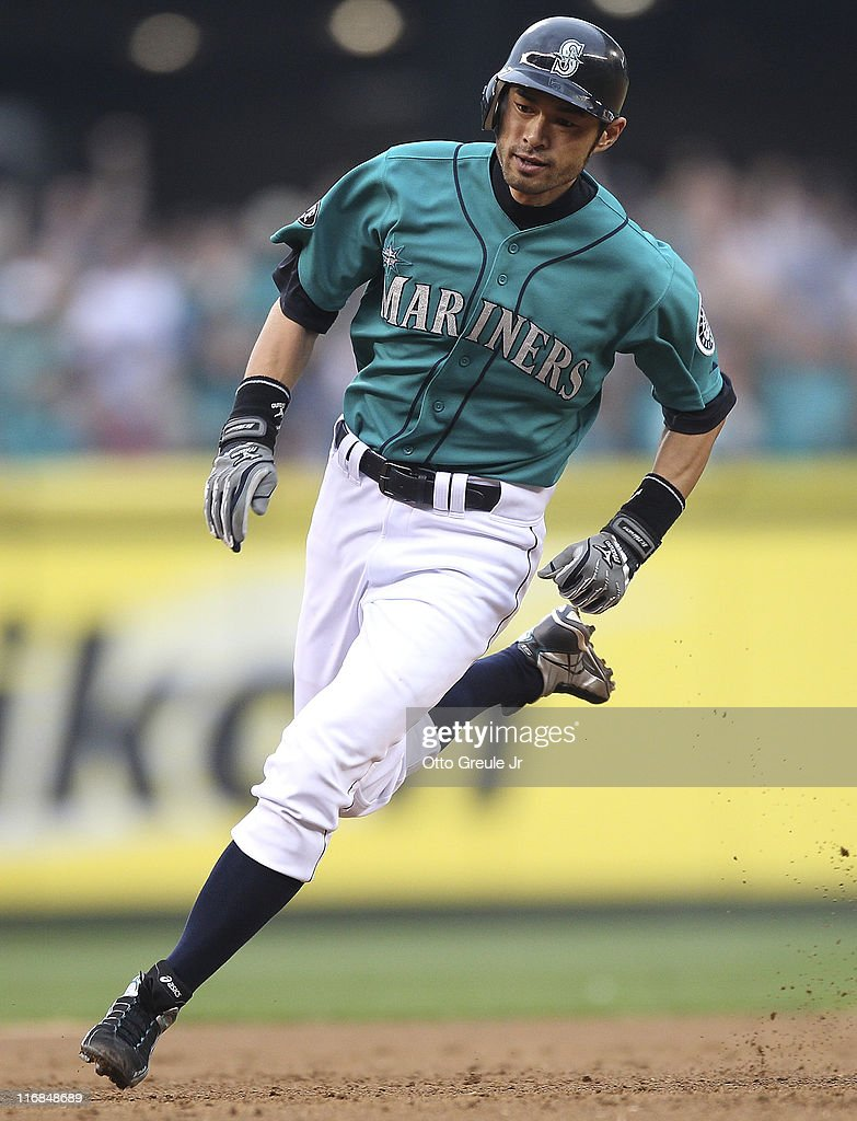 http://media.gettyimages.com/photos/ichiro-suzuki-of-the-seattle-mariners-rounds-third-base-to-score-in-picture-id116848689