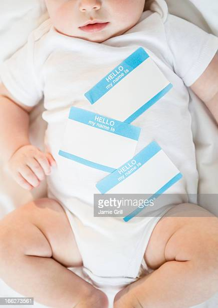 Identity labels belly of baby boy (2-5 months)