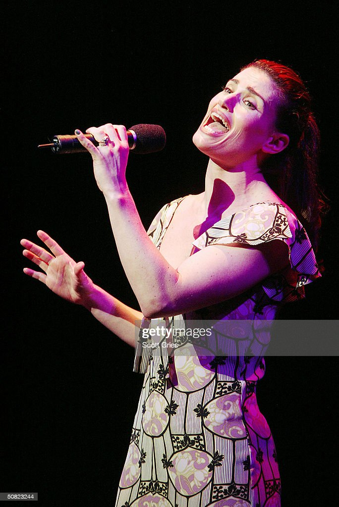 <a gi-track='captionPersonalityLinkClicked' href=/galleries/search?phrase=Idina+Menzel&family=editorial&specificpeople=213583 ng-click='$event.stopPropagation()'>Idina Menzel</a> performs during the Dramatists Guild Fifth Annual Benefit Dinner at the Hudson Theater May 10, 2004 in New York City.