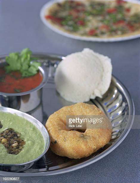 Idli and vada in tray