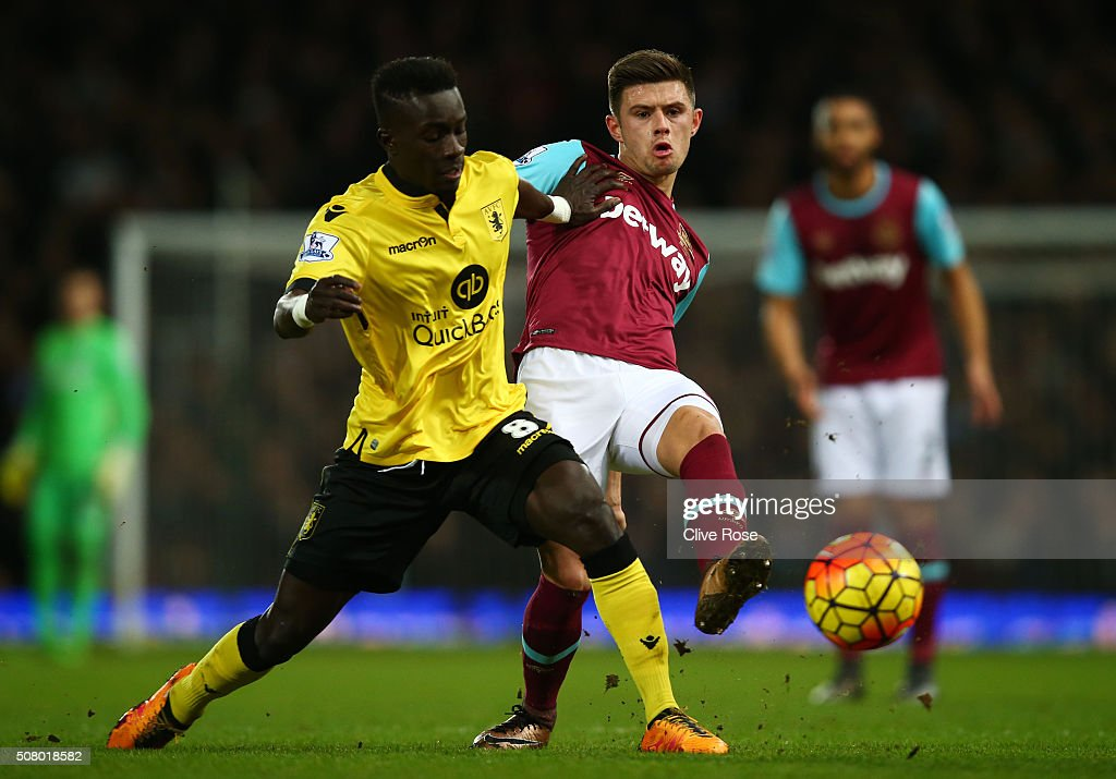<a gi-track='captionPersonalityLinkClicked' href=/galleries/search?phrase=Idrissa+Gueye&family=editorial&specificpeople=7312174 ng-click='$event.stopPropagation()'>Idrissa Gueye</a> of Aston Villa and <a gi-track='captionPersonalityLinkClicked' href=/galleries/search?phrase=Aaron+Cresswell&family=editorial&specificpeople=6175637 ng-click='$event.stopPropagation()'>Aaron Cresswell</a> of West Ham United compete for the ball during the Barclays Premier League match between West Ham United and Aston Villa at the Boleyn Ground on February 2, 2016 in London, England.