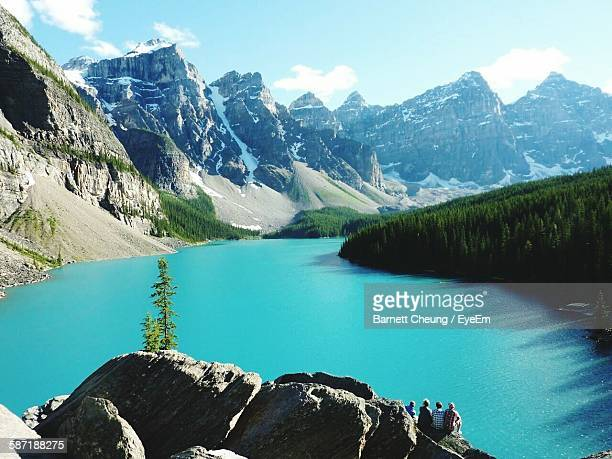 Idyllic Shot Of Rocky Mountains And Moraine Lake In Banff National Park