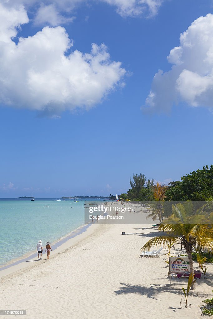 Idyllic white sand beach, Negril, Jamaica : Stock Photo