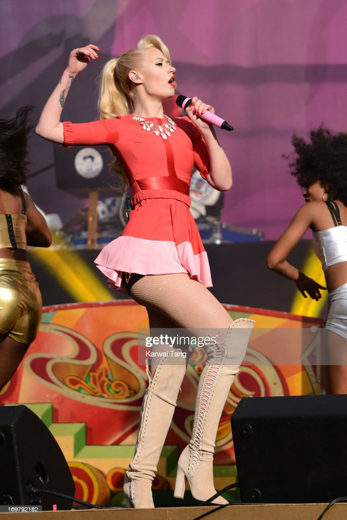 <a gi-track='captionPersonalityLinkClicked' href=/galleries/search?phrase=Iggy+Azalea&family=editorial&specificpeople=8558263 ng-click='$event.stopPropagation()'>Iggy Azalea</a> performs on stage at the 'Chime For Change: The Sound Of Change Live' Concert at Twickenham Stadium on June 1, 2013 in London, England. Chime For Change is a global campaign for girls' and women's empowerment founded by Gucci with a founding committee comprised of Gucci Creative Director Frida Giannini, Salma Hayek Pinault and Beyonce Knowles-Carter.