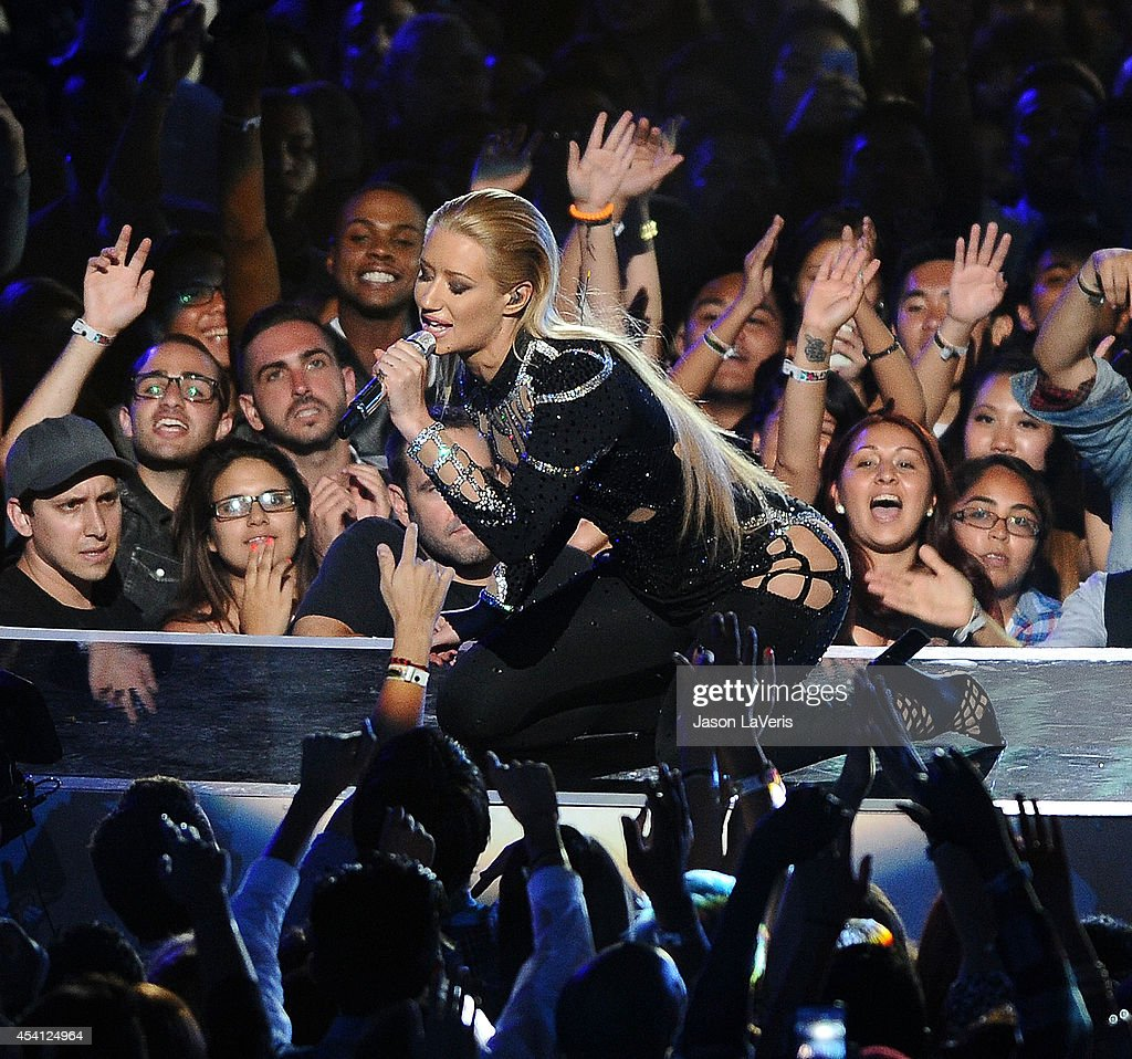 <a gi-track='captionPersonalityLinkClicked' href=/galleries/search?phrase=Iggy+Azalea&family=editorial&specificpeople=8558263 ng-click='$event.stopPropagation()'>Iggy Azalea</a> performs onstage at the 2014 MTV Video Music Awards at The Forum on August 24, 2014 in Inglewood, California.