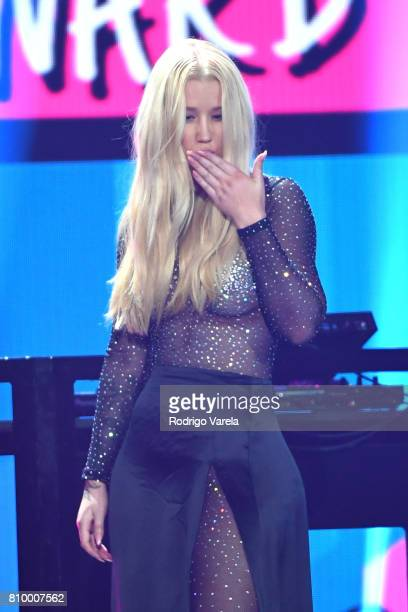 Iggy Azalea presents an award during Univision's 'Premios Juventud' 2017 Celebrates The Hottest Musical Artists And Young Latinos ChangeMakers at...