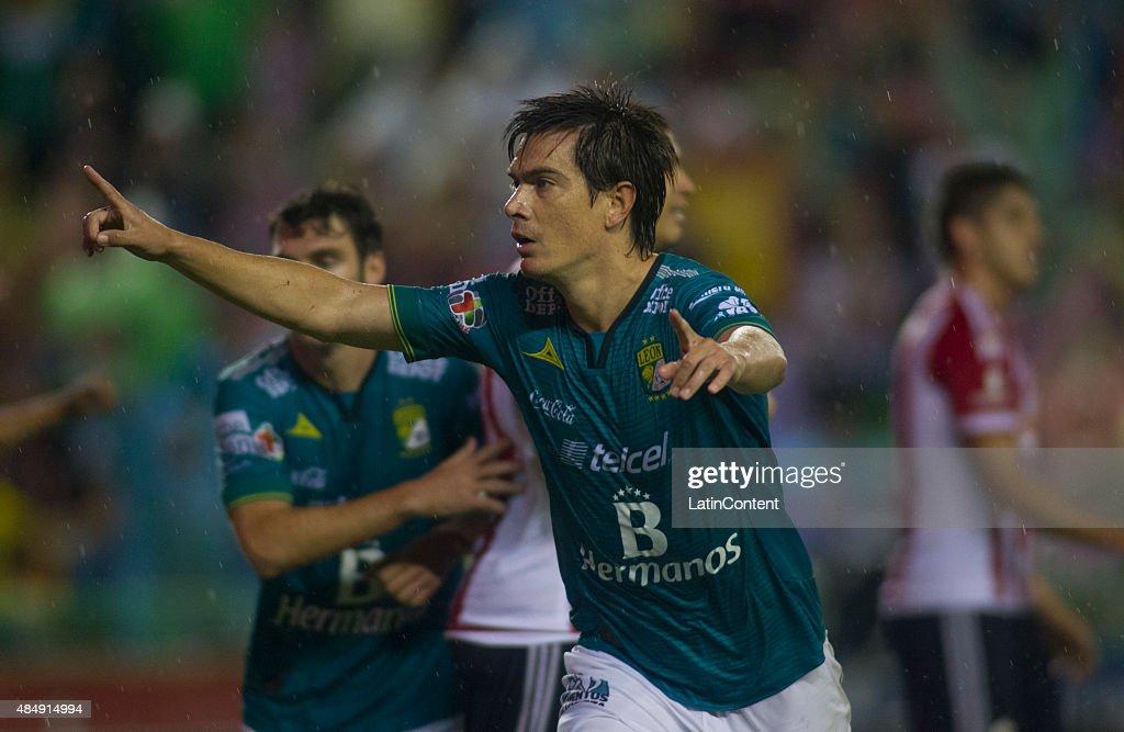 Leon v Chivas  - Apertura 2015 Liga MX