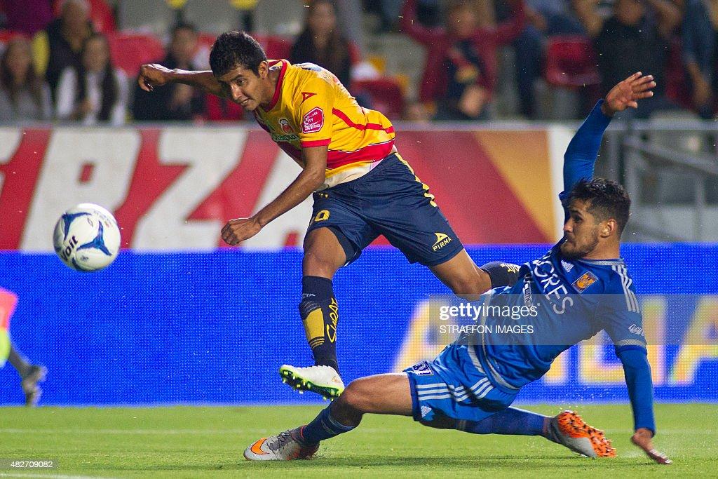 Morelia v Tigres UANL - Apertura 2015 Liga MX