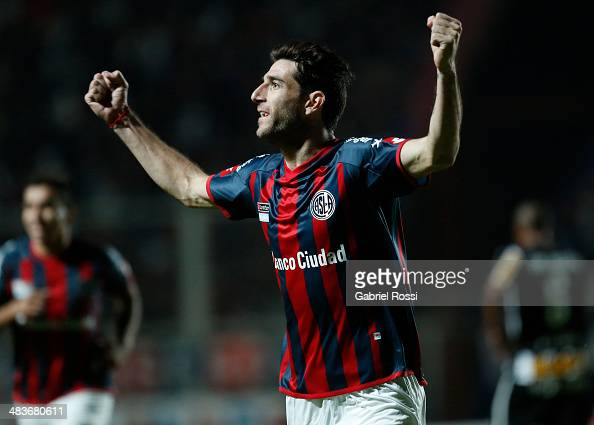 Ignacio Piatti of San Lorenzo celebrates after scoring the second goal of his team during a match between San Lorenzo and Botafogo as part of Copa...