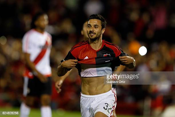 Ignacio Scocco of Newells Old Boys celebrates after scoring during the match between Newell's Old Boys and River Plate as part of the Torneo Primera...