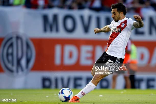 Ignacio Scocco of River Plate drives the ball during a match between River Plate and Boca Juniors as part of the Superliga 2017/18 at Monumental...