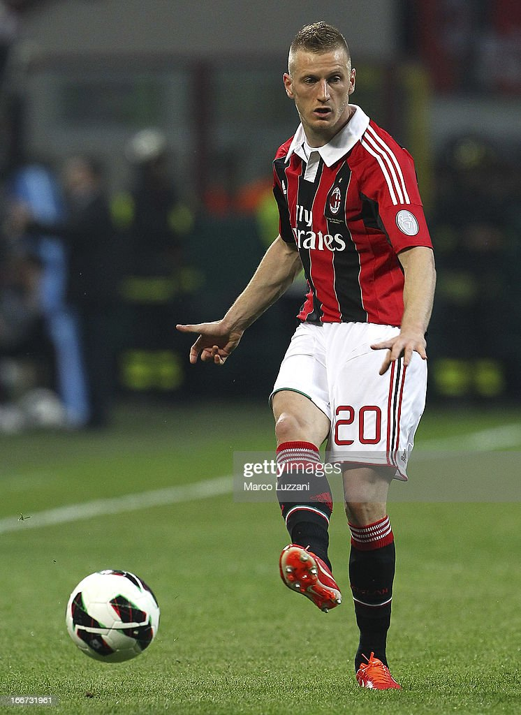 Ignazio Abate of AC Milan in action during the Serie A match between AC Milan and SSC Napoli at San Siro Stadium on April 14, 2013 in Milan, Italy.