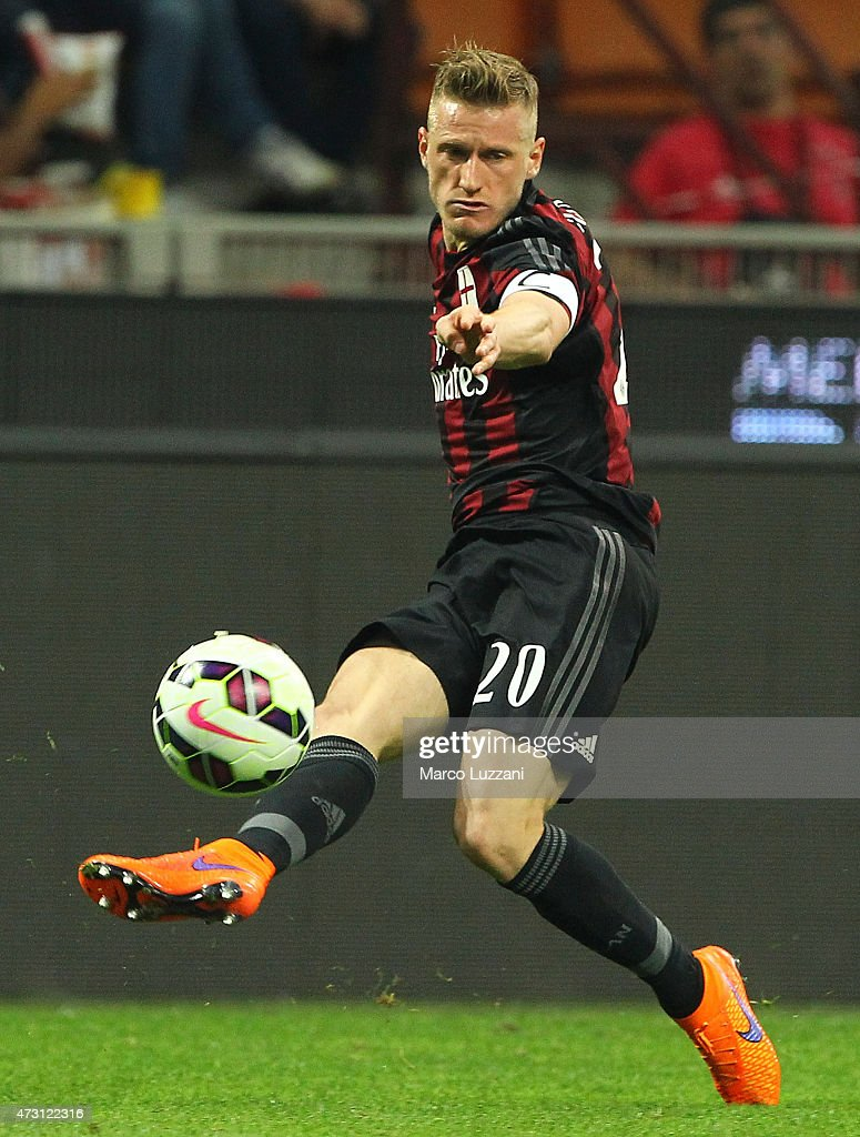 <a gi-track='captionPersonalityLinkClicked' href=/galleries/search?phrase=Ignazio+Abate&family=editorial&specificpeople=4530178 ng-click='$event.stopPropagation()'>Ignazio Abate</a> of AC Milan in action during the Serie a match between AC Milan and AS Roma at Stadio Giuseppe Meazza on May 9, 2015 in Milan, Italy.