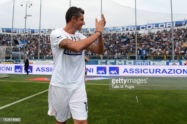 Igor Budan of Palermo greets supporter of Atalanta as they show their appreciation before the Serie A match between Atalanta BC and US Citta di...