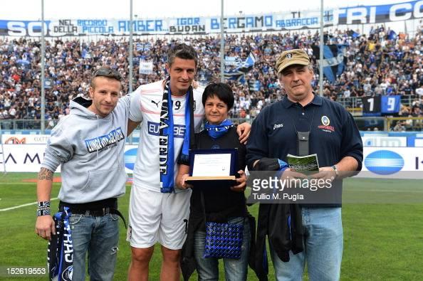 Igor Budan of Palermo receives an award from supporters of Atalanta before the Serie A match between Atalanta BC and US Citta di Palermo at Stadio...